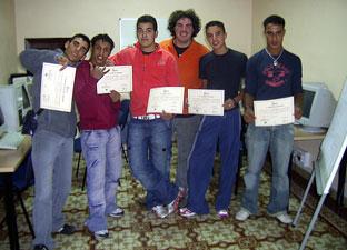 Jóvenes participantes en una de las actividades.