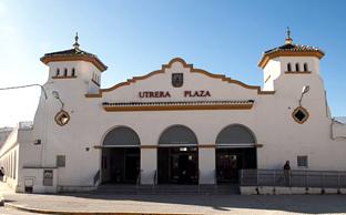 Fachada del mercado de Utrera, en Sevilla.