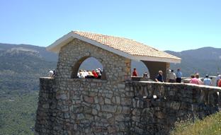 Un grupo de mayores participa en una de las actividades del programa.