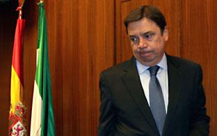 El consejero Planas, momentos antes de hacer balance de la campaña de incendios en comisión parlamentaria.