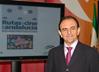 El consejero de Turismo y Comercio, Rafael Rodríguez, ha presentado la Gran Ruta del Cine por Andalucía, un proyecto desarrollado junto a Andalucía Film Commission que permitirá diversificar la oferta del destino promocionando aquellos lugares de la comunidad que han servido como escenario de rodajes de grandes películas.