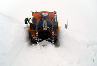 La seguridad es el principal requisito en la realización de trabajos de vialidad invernal.