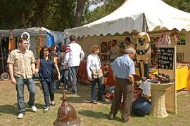 Muestra de artesanía en el Parque del Alamillo.