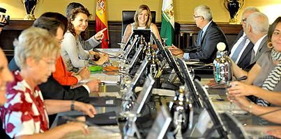 Detalle de una reunión del Consejo de Gobierno de Andalucía