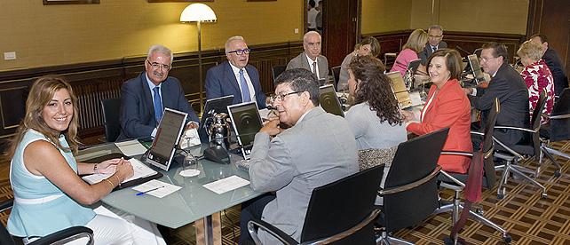 Qu es el consejo de gobierno portavoz del gobierno andaluz for Oficina junta de andalucia