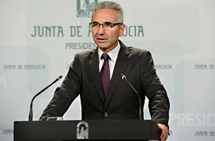 Vázquez ofrece colaboración al Gobierno ante el caso de ébola detectado en Madrid