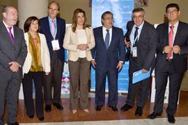 La presidenta, Susana Díaz, junto al resto de autoridades.