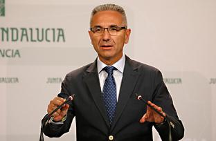 Vázquez informa sobre una autorización de un gasto de 28,5 millones para el convenio de servicios ferroviarios de media distancia con Renfe