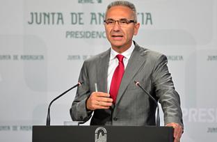 Vázquez anuncia que el Consejo de Gobierno publica la declaración del impuesto de la renta del ejercicio 2013