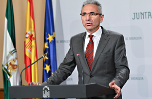 Vázquez explica la nueva gestión de la Red de Villas Turísticas de Andalucía