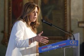 La presidenta de la Junta, durante su intervención. (Foto EFE)
