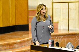 La presidenta de la Junta, durante la sesión de control en el Parlamento.