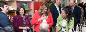 Susana Díaz reafirma en Salteras su compromiso con el único centro para personas con sordoceguera de España