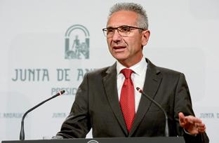 Vázquez expone el decreto regulador del Programa de Tratamiento a Familias con Menores en Situación de Riesgo