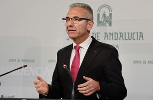 Vázquez informa sobre el equipamiento del Hospital Campus de la Salud de Granada por un importe de 77,6 millones