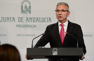 Vázquez informa de la creación de 16 escuelas infantiles en otros tantos municipios de la comunidad autónoma