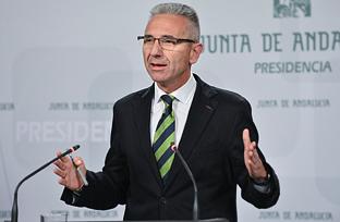 Vázquez expone el nuevo reglamento de vertidos que unifica el sistema de autorizaciones para aguas litorales y continentales