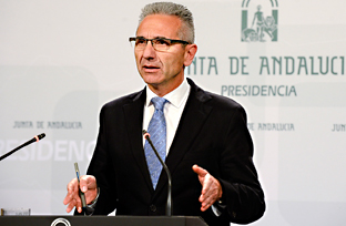 Vázquez informa sobre el calendario de fiestas laborales en Andalucía para 2016