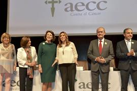 Susana Díaz, junto a otras autoridades durante la apertura del congreso.