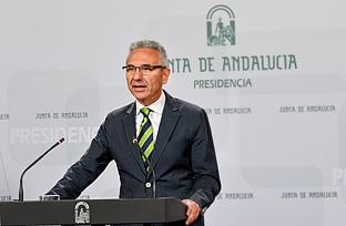 Vázquez informa sobre el precio de 90 euros fijado para la participación en los Campos de Trabajo de Voluntariado Juvenil