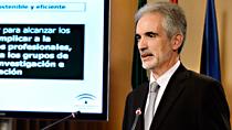 Alonso explica la ley de sostenibilidad que blindará la sanidad pública en Andalucía