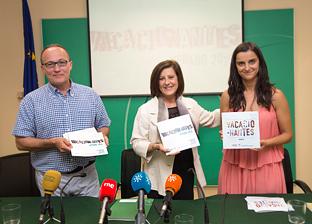 La consejera de Igualdad y Políticas Sociales presentó el programa Vacacionantes.