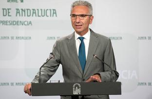 Vázquez informa sobre la solicitud de convocatoria de la Comisión de Comunidades Autónomas del Senado para debatir la Lomce