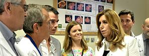 Susana Díaz visita en Sevilla al equipo de investigación que desarrolla biomodelos de corazón en 3D para cirugías cardiacas en niños