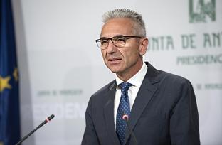 Vázquez resalta que la Junta ha promovido en el último trimestre iniciativas que movilizan más de 2.300 millones de euros