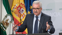 Jiménez Barrios señala que la presidenta de la Junta defenderá en Bruselas los intereses de Andalucía