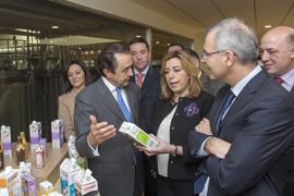 Susana Díaz, durante su visita a COVAP.