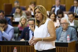 La presidenta de la Junta, durante el pleno parlamentario.