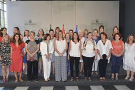 Susana Díaz, con las asistentes al pleno del Consejo de Andaluz de Participación de las Mujeres.