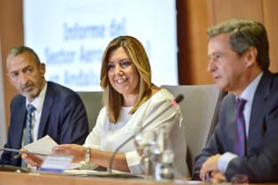 Díaz asistió a la presentación del informe del sector aeroespacial.