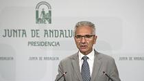 Vázquez informa sobre la solicitud de convocatoria de la Comisión de las Comunidades del Senado para suspender las reválidas de ESO y Bachillerato