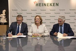 El Ifapa y Heineken firman un acuerdo para estudiar un sistema de cultivo combinado de cebada con olivar