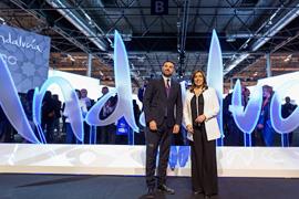 La presidenta de la Junta y el consejero de Turismo, en el espacio de Andalucía en Fitur.