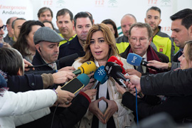 Díaz atiende a los medios de comunicación en Los Palacios y Villafranca.