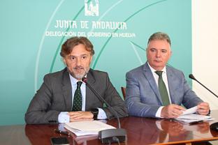 José Fiscal y Francisco José Romero, durante la presentación de las cuentas en Huelva.