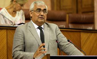 El consejero de Economía, durante la sesión plenaria.