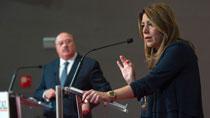 Conferencia de Díaz sobre 'Andalucía ante los retos de su futuro' en el Foro Ideal de Granada