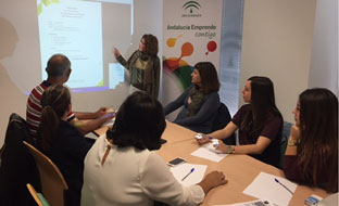 Las personas que han iniciado los nuevos proyectos empresariales son en su mayoría jóvenes, con elevada presencia de mujeres.