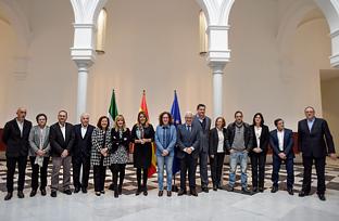 Reunión de Susana Díaz con entidades sociales con motivo de la entrada en vigor de la Renta Mínima