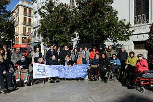 La consejera de Igualdad y Políticas Sociales, María José Sánchez Rubio, ha subrayado el trabajo que realizan las casi 3.100 asociaciones vinculadas al voluntariado que hay en Andalucía.