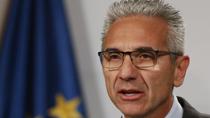 Vázquez reclama al Gobierno que pague sus becas a 113.000 alumnos de enseñanzas no universitarias