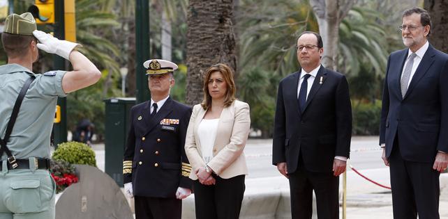 Susana Díaz, con los presidentes François Hollande y Mariano Rajoy, durante un momento del acto.