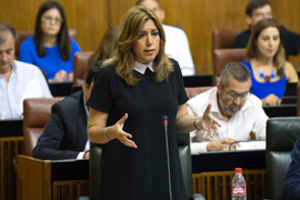 Susana Díaz anunció en el Parlamento un plan de choque este verano y dotación presupuestaria en 2018 para actuaciones de climatización de colegios.
