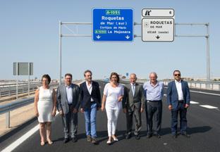 Díaz visitó el nuevo tramo de la Variante de Roquetas de Mar.