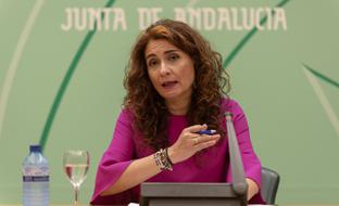 La consejera de Hacienda y Administración Pública, María Jesús Montero, informó en rueda de prensa del balance de la última reunión del Consejo de Política Fiscal y Financiera (CPFF).