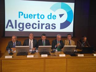 Jiménez Barrios, en un momento de la presentación del informe sobre la evaluación de impacto económico del puerto de Algeciras.